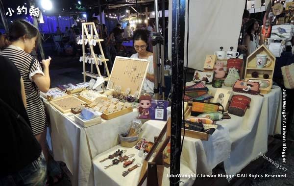 ARTBOX market at Samyan Bangkok15.jpg