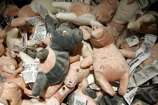 ikea pig dolls豬年玩偶