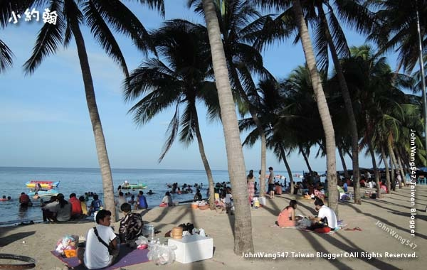 Bangsaen Beach Chon Buri.jpg