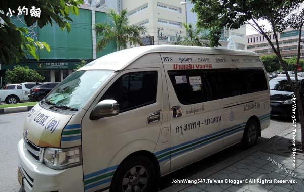Bangsaen van49 to Bangkok Ekkamai2.jpg