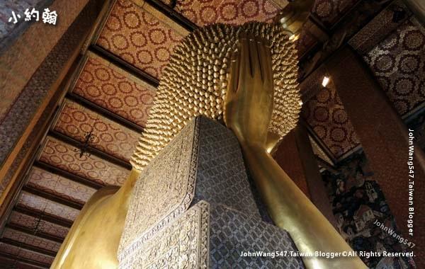 Wat Pho Bangkok Reclining Buddha5.jpg