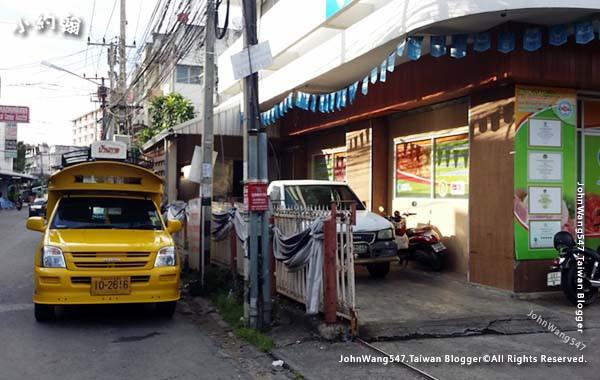 Yellow Songthaew to Kad Farang Village2.jpg