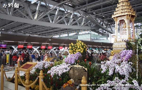 曼谷BKK機場安放佛骨舍利壇.jpg