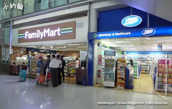 曼谷BKK機場4F全家超商BOOTS.jpg