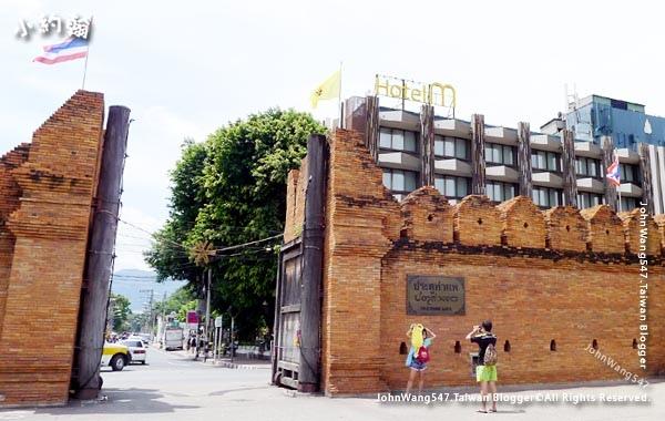 清邁古城東門Tha Pae Gate塔佩門.jpg