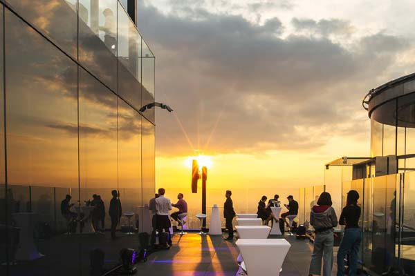 King Power Mahanakhon Skywalk View1.jpg