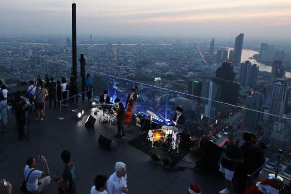 King Power Mahanakhon Skywalk View10.jpg
