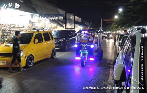 Chatuchak Weekend Night Market Friday2.jpg