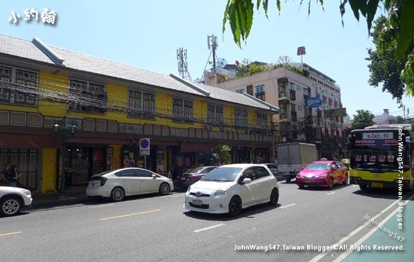 Phra Athit Road.jpg