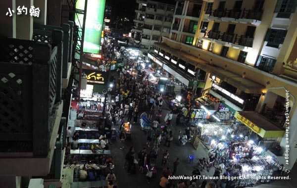 Khao San Night Market Bangkok.jpg