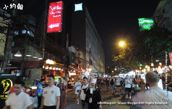 Khao San Night Market Rambuttri Road.jpg