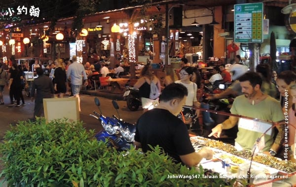 Khao San Night Market Rambuttri Road2.jpg