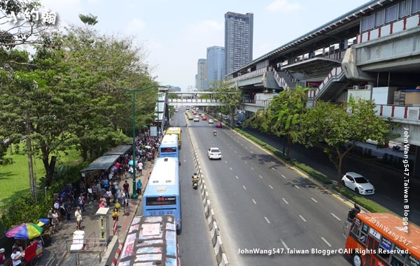 Mochit  A1 A2 Bus  to Don Mueang airport3.jpg