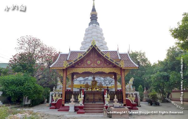 Wat Muentoom Wat Muen Tum Chiang Mai2.jpg