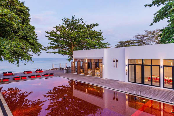 The Library Hotel red pool Koh Samui Chaweng Beach2.jpg