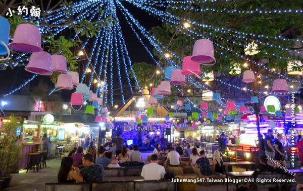 Ploen Ruedee Night Market Chiang Mai Night Bazaar.jpg