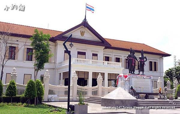 Chiang Mai Arts Cultural Center Three Kings Monument.jpg