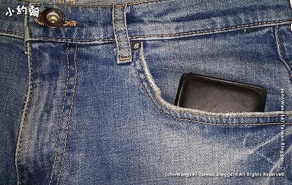 出國旅遊錢卡護照放前面口袋