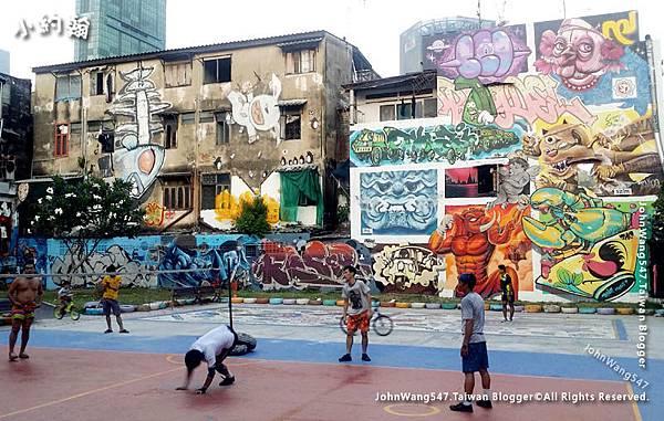Chaloem La Park Bangkok Graffiti.jpg