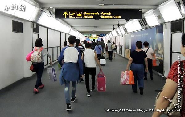 曼谷廊曼機場入境2.jpg