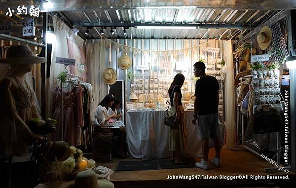 Bangkok ARTBOX Night Market Shops.jpg