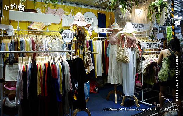 Bangkok ARTBOX Night Market Shops4.jpg