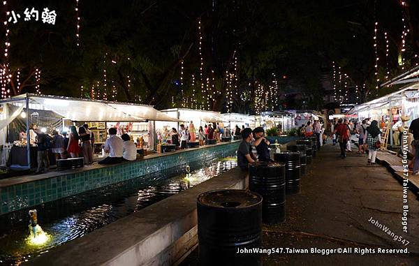 Bangkok ARTBOX Night Market Shops1.jpg