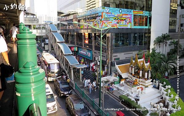 Maneeya Center Bangkok BTS Chitlom.jpg