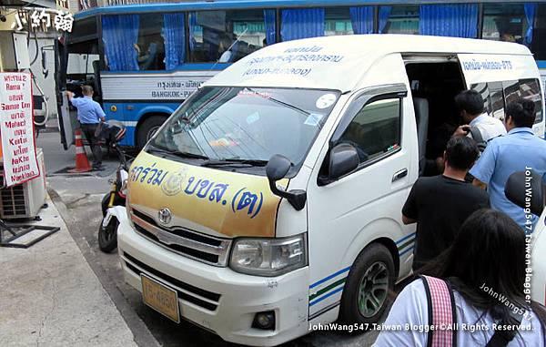 曼谷Ekamai東巴士站搭小巴士到Maeklong美功鐵道.jpg