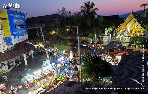 Chiang Mai oldtown Sunday night market.jpg