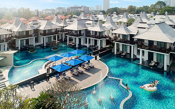Z Through By The Zign Hotel Pattaya.jpg