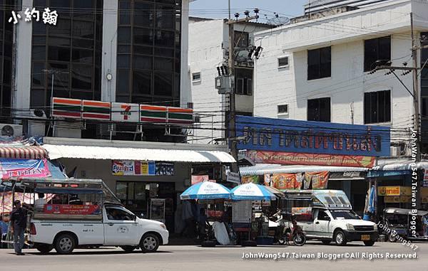 Chachoengsao Bus Terminal 7-11.jpg