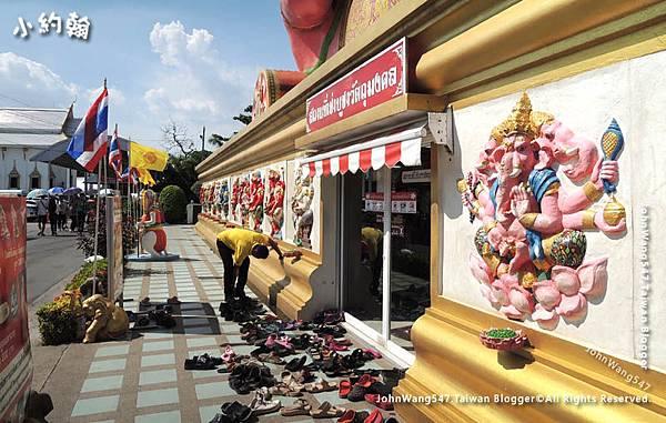 Wat Saman Rattanaram Pink Ganesha1.jpg