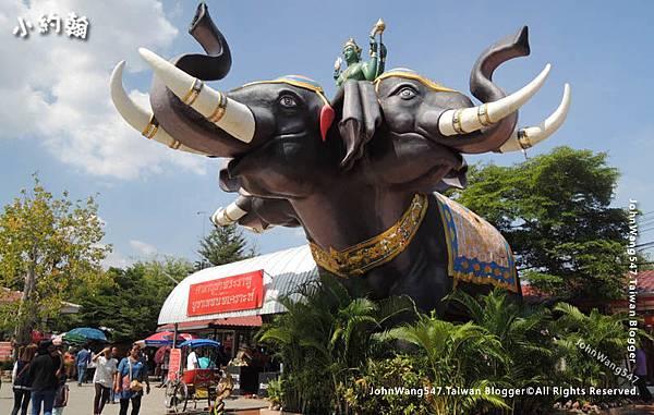 Wat Saman-Indra three-head elephant Airavata2.jpg