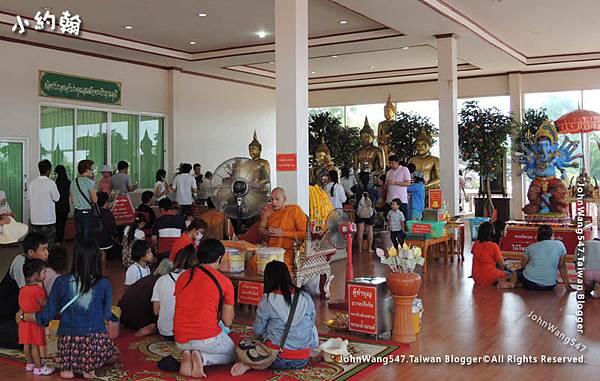 Wat Saman-Thailand Buddistisches Disneyland.jpg