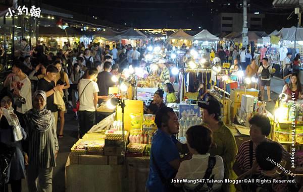 Ratchada Bangkok(Rot Fai Night Market)2.jpg