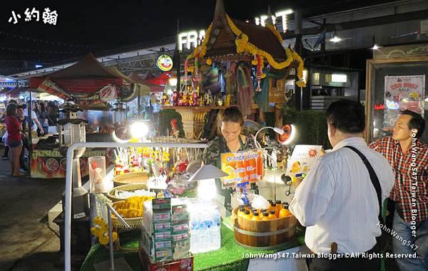 曼谷鐵道夜市Ratchada.jpg