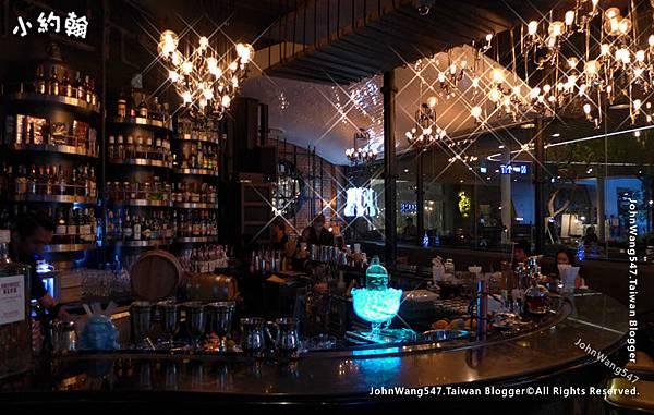 曼谷迷人酒吧.jpg
