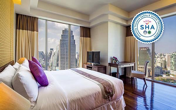 Column Bangkok Hotel room.jpg