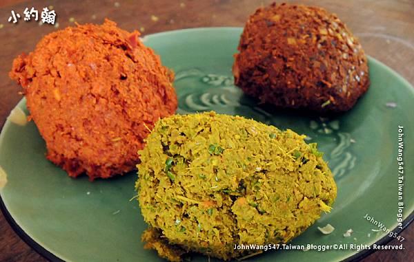 泰國常見的黃綠紅咖哩醬.jpg