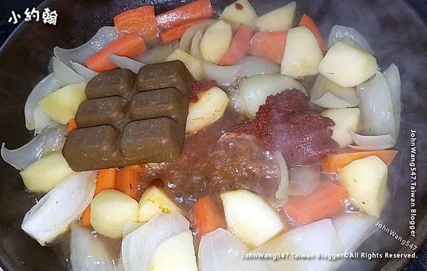 雙降豬肉j搭泰式黃咖哩醬.jpg
