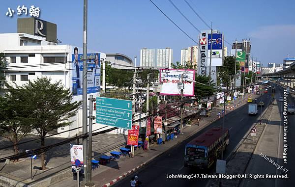 CentralPlaza Rattanathibet.jpg