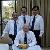 2012 5 -4李福明弟兄合照