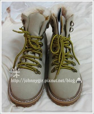 靴口毛邊個性綁帶短靴 A.JPG