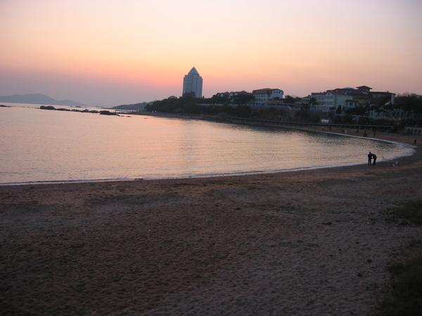 114.餘暉中的海灘.jpg