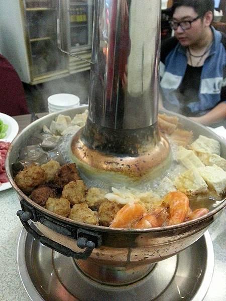小店的酸菜白肉鍋