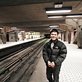 05 捷運月台.JPG