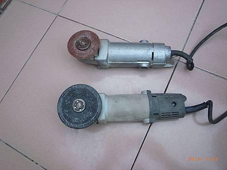 二支砂輪機安裝大小砂輪片.JPG