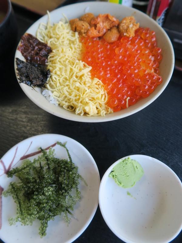 鮭魚卵丼飯+海葡萄