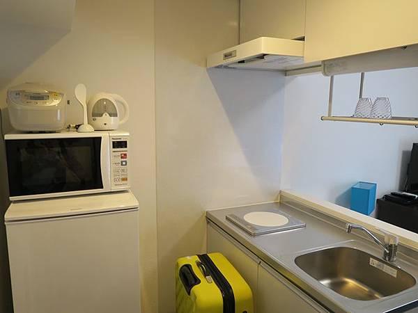 冰箱+微波爐+熱水壺